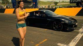 Uma curiosa corrida entre uma Atleta e um carro esportivo do Top Gear