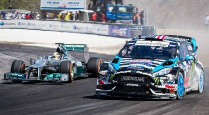 Desafio e Show na Pista: Ken Block (com seu Fiesta ST) x Lewis Hamilton (com seu F-1). Quem ganha?