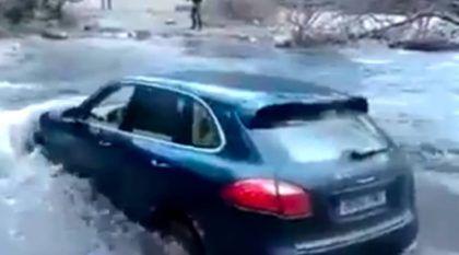 Sem noção, esse Cara imaginou que seu Porsche Cayenne era um Jipe. Imagine o que aconteceu!