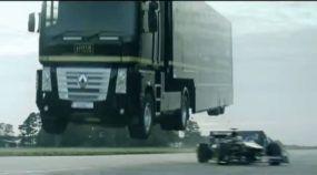 Caminhão salta carro de Fórmula 1 e marca Novo Recorde