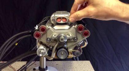 Um Motor V8 acelerando forte e que cabe na sua Mão? Impressionante!