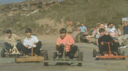 The Beatles andando de Kart? Imagens Históricas!