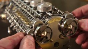 A Mais Impressionante Miniatura de Motor já feita: 32 cilindros em W funcionando como Música!