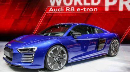 Revelado o Novo Audi R8, o Audi mais Rápido e Potente já feito! Veja que Carro Espetacular!