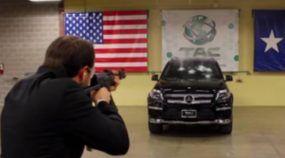 Coragem Extrema: Presidente de Empresa especializada em Carros Blindados enfrenta Disparos de AK-47 ao Volante! Inacreditável!