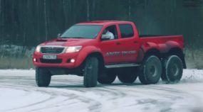 Toyota Hilux 6x6? Você Precisa Conhecer esta Incrível Caminhonete que só Poderia ter sido Preparada na Rússia!