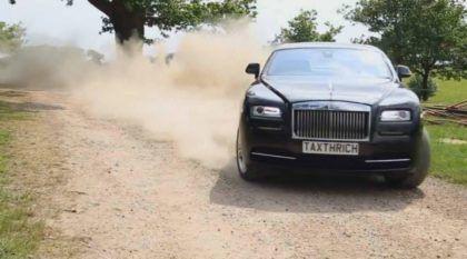 Rolls-Royce fazendo Rally? Coisas de um Milionário Maluco! Impressionante!