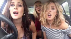 Humor: Trio de Belas Comediantes Australianas viraliza cantando Rock no Carro!