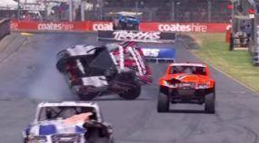 Insano! Final de Corrida Espetacular! Você precisa ver que Chegada Épica das Picapes da Super Trucks!