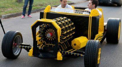 Ele Existe: Um Carro feito de LEGO em Tamanho Real (inclusive o Motor!). Incrível!