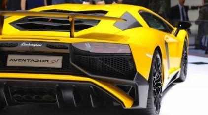 Ainda mais Brutal, este é o Lamborghini Aventador Superveloce (Ouvir esse V12 com 750cv até Arrepia)!