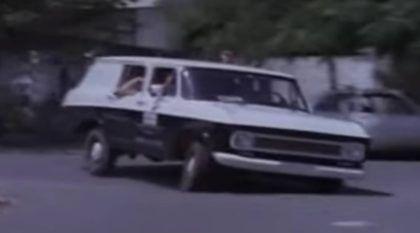 Nostalgia: a Intimidadora Veraneio da Polícia em cenas da época (essa era temida pelos bandidos)