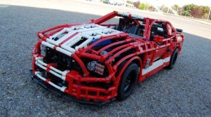 Esse Ford Mustang Shelby feito de LEGO é Impressionante! E tem ainda Motor e Transmissão!