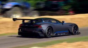 O novo Mito das pistas faz sua estreia! Conheça o insano Aston Martin Vulcan com seu V12 de 811cv!