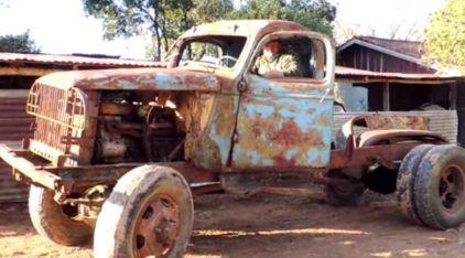 Este era um Caminhão Militar 4×4 Velho (e Abandonado por Anos)! Veja o Surpreendente Resultado quando esses Caras tentam Despertá-lo!