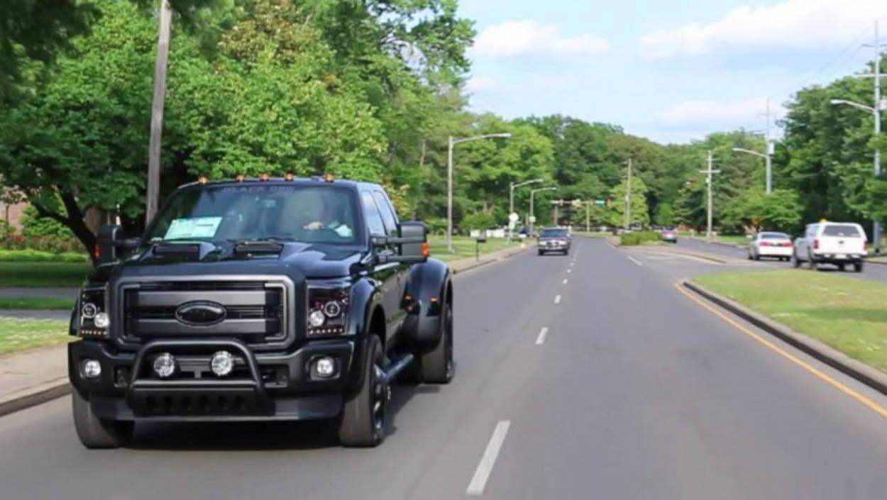 Brutal Veja De Perto Essa Caminhonete Ford Com Uma