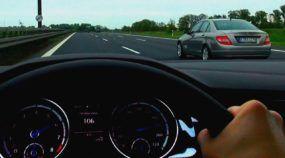 Velocidade sem limites: Veja como é dirigir um Golf 7 a (incríveis) 260 km/h numa Autobahn na Alemanha!