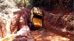 Trilha Extrema: Troller, Hilux, Jeep Wrangler e Willys tentam Sobreviver aos Insanos Desafios na Lama!