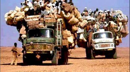 TOP 10: os mais impressionantes Caminhões com excesso de carga (e de pessoas)! É inacreditável!