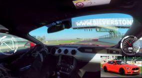 Vídeo 360º: novo Mustang andando forte em Silverstone e você controla as câmeras!