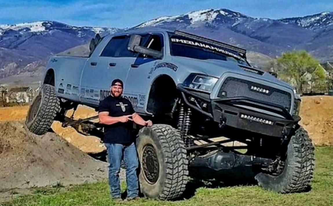 Estupenda Veja A Mais Brutal Dodge Ram Com 6 Portas Em