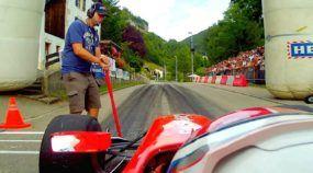 Fórmula subindo a serra numa estrada estreita? Você precisa ver essa insanidade extrema!