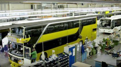Ônibus produzidos como carros? Conheça uma fábrica TOP de monoblocos (coisa que o Brasil não tem mais)!