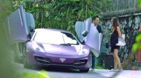 Fabuloso! Imagine chamar um Uber e aparecer um McLaren 12-C para levar Você ao seu destino (vídeo divertido)!