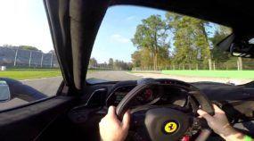 Esse cara pilota! Veja o que ele faz com uma Ferrari 458 em Monza (e ainda humilha uma LaFerrari)!