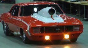 """Encontro épico: Veja vários """"Hot Wheels em tamanho real"""" desfilando e acelerando com os fãs"""