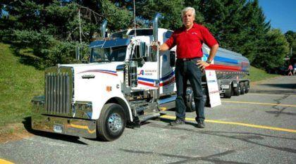 Espetacular ao extremo! Este mini-caminhão TOP tem a metade do tamanho do original (e ainda funciona)!