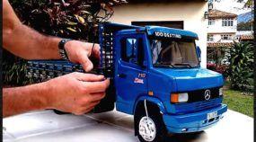 Absolutamente espetacular: conheça a mais incrível miniatura de um caminhão Mercedinho 710!