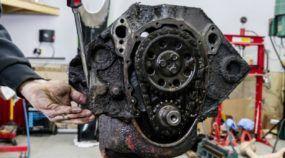 Veja um motor Chevrolet V8 sendo totalmente refeito em detalhes (Vídeo espetacular com apenas 3 minutos)!