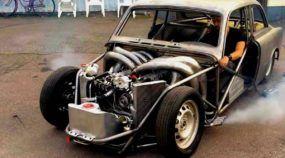 Um ronco brutalmente insano! Veja o que aconteceu quando um antigo Volvo recebeu um motor V8 (de dois tempos)!