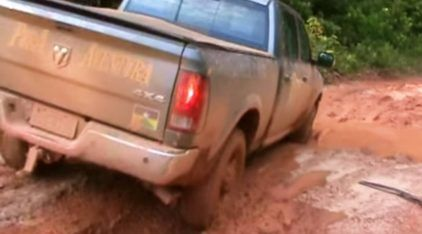 BR-319: Vídeos impressionantes da rodovia federal mais abandonada e perigosa do Brasil