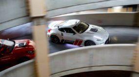 Isso você nunca viu: Dois Pilotos PRO de Drifting mitando em Shopping Abandonado (de Nissan com mais de 1000cv)!