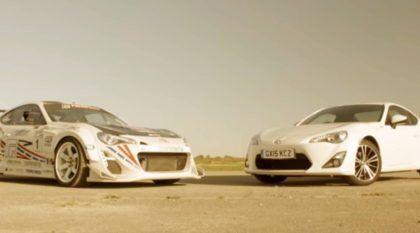 Carro de corrida X carro de rua: quão mais rápido é a versão preparada?