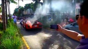Manobrista faz Lamborghini Aventador pegar fogo em Miami (e as reações das pessoas são ridículas)!