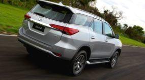 Lançamento oficial: Essa é a Nova Toyota Hilux SW4 (Veja a novidade em Vídeos)!
