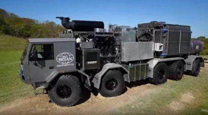 Um Caminhão com tração 10×10? Conheça esse monstro (impressionante) para enfrentar qualquer terreno!