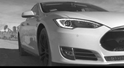 Incrível: propaganda do carro elétrico Tesla narrada por Nikola Tesla (falecido há mais de 70 anos)