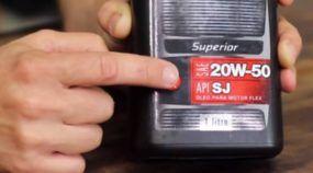 Óleo lubrificante do motor: sintético, semi-sintético ou mineral? Entenda as siglas e acerte na escolha!