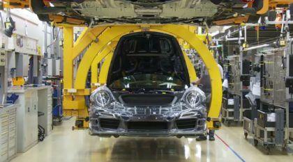 Como são construídos os lendários Porsche 911: vídeos incríveis mostram toda a fábrica!