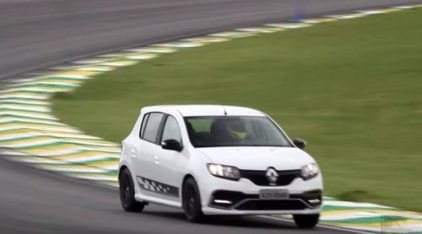 Renault Sandero RS encara Interlagos e desafia Golf TSI e Focus 2.0 PowerShift