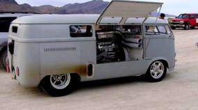 Brutal, essa VW Kombi possui Motor V8 (central)! Vídeo mostra detalhes dessa insanidade!