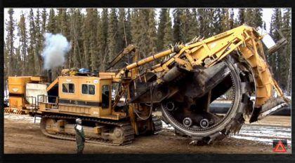 Máquina Brutal (e Monstruosa)! Veja ela fazendo coisas mais importantes do que você imagina!