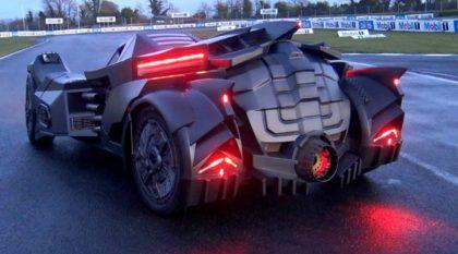 Um Lamborghini transformado em Batmóvel? Sinta o ronco estupendo do motor V10