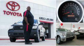 Esse cara rodou 1,6 milhão de km com sua picape Toyota (e ele ganhou uma caminhonete 0km)!