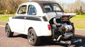 Isso é o que acontece quando alguém coloca um Motor de Subaru WRX num Fiat 500!