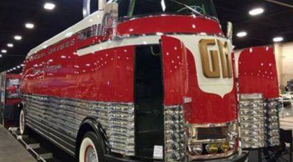 """Raridade! Esse é o ônibus mais """"futurista"""" projetado pela GM (e vale mais de R$ 10 milhões)!"""